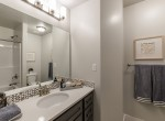 Bathroom-02_high_2564728-1200x800
